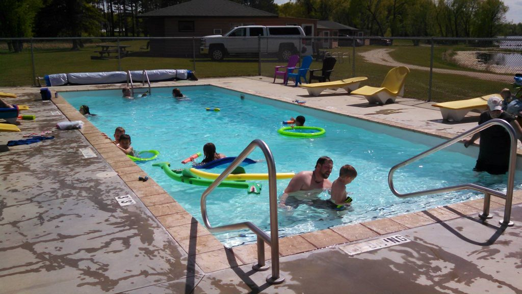 tomahawk resort pool amenities