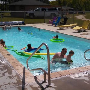tomahawk resort pool amenities